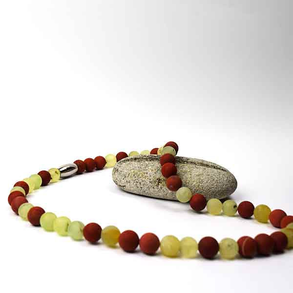 Halskæde i stenperler fra Keramikkat.